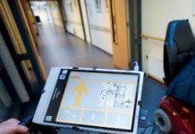 Studenten van de Hogeschool Arnhem-Nijmegen (HAN) ontwikkelden de rollator met navigator voor ouderen met geheugenverlies of oriëntatieproblemen.