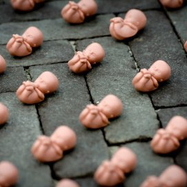 De zaak van de Groningse Daniëlla doet de discussie over verplichte anticonceptie weer oplaaien.