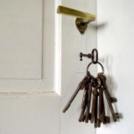 Steden leggen huisverbod preventief op
