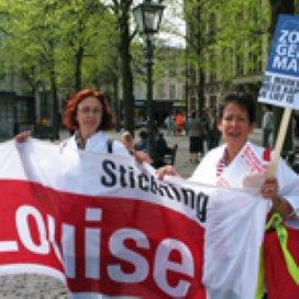 Thuishulpen tanteLouise: minder salaris of ontslag