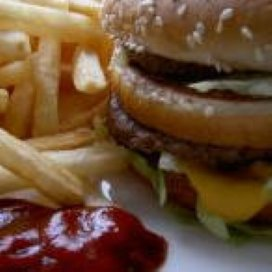 Voedingscentrum: 'Geen snackbars rondom scholen'