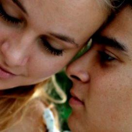 'Jeugdzorg kan loverboy problematiek beter melden'