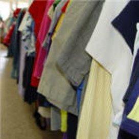 Arnhemse vrijwilligers starten kledingbank