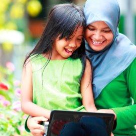 Een kind moet leren om kracht te ontlenen aan zijn of haar identiteit. Dat maakt hen weerbaar.