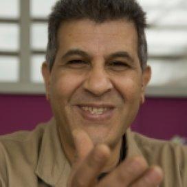 Jongerencoach Mostafa Jahfel: 'Je moet tot op het bot gaan'