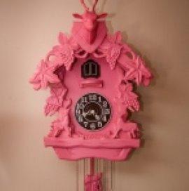 Amsterdams roze wooncomplex van de baan
