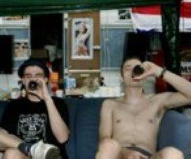 Schippers kijkt naar drankspellen voor jeugd