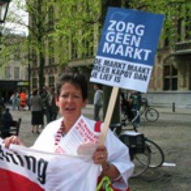 Manifestatie tegen marktwerking in de zorg: 'No tegen WMO'