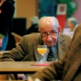 Actiz-rapport: 'Vervang deel AWBZ door zorgpensioensparen'
