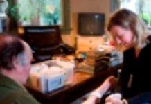 Thuiszorgbemiddelaar: 300 zzp'ers in vaste dienst