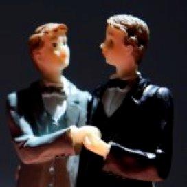 Ambtenaar mag sluiten homohuwelijk weigeren