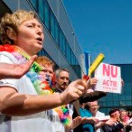 Vakbonden: 'Werkgevers inflexibel in cao-overleg VVT'