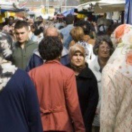 Nederlanders positiever over immigranten