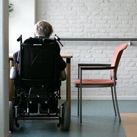 Depressieve ouderen voelen zich eenzamer