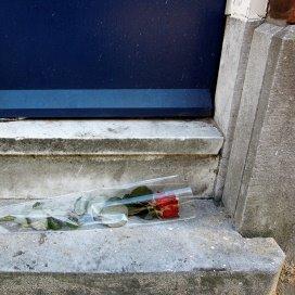 In Rotterdam-Delfshaven lag een bejaarde vrouw tien jaar onopgemerkt dood in huis. Dat zorgde voor grote verontwaardiging in Nederland.