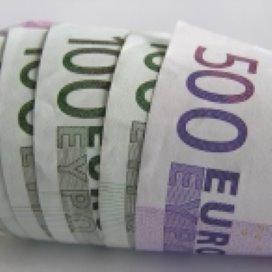 Ex-directeur stort half miljoen euro terug