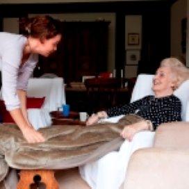Helft verpleegkundigen en verzorgenden onvoldoende opgeleid in palliatieve zorg