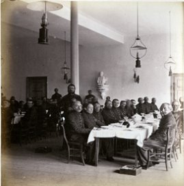 Eetzaal voor de onderofficieren (ca 1870)