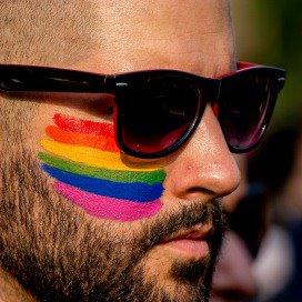 'Gemeente moet beleid maken voor LHBT-burger'