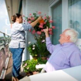 Langere contracten in herstelplan huishoudelijke zorg