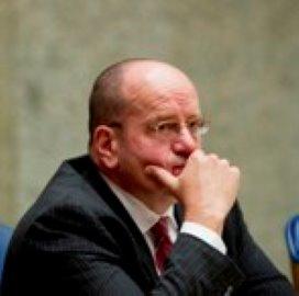 Teeven: 'Misschien eigen bijdrage ggz terugonderhandelen'