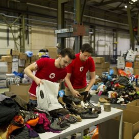 vrijwilligers voor het rode kruis