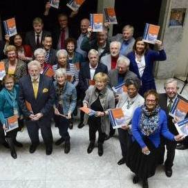 Voorlichters ouderenmishandeling het land in