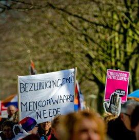 Vijftig ouderenzorgbestuurders over Balkenendenorm