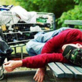 'Daklozen worden uit de basisverzekering gegooid'