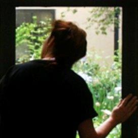 Vrouwen minder bang met alarm tegen stalkers
