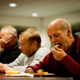 Utrecht stuurt daklozen terug