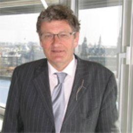 Voorvechter jeugdzorg Gerard Gruppen ontvangt lintje