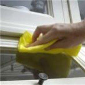 Libertas ontslaat huishoudelijke hulpen