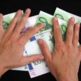 Den Haag wil instellingen met te hoog salaris korten op subsidie