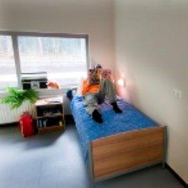 Psychiatrisch patiënt met verslaving beter af thuis