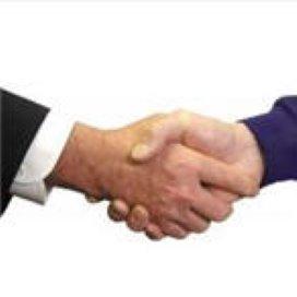 Voordringende zorgmanager krijgt forse handdruk