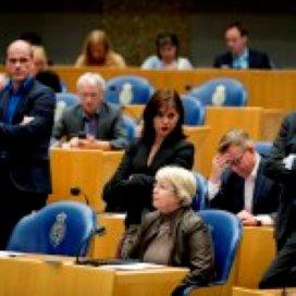 Oppositie wil kabinetsplannen stilleggen