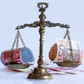 1-Geld-AdobeStock.jpg