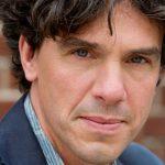 Pieter Hilhorst vindt dat sociaal werker moet uitgaan van maatschappelijke kosten