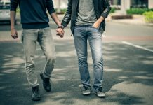 'In Nederland gaat het eigenlijk best goed met de homo-emancipatie in de christelijke hoek.'