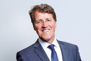 Eric van Oosterhout is burgemeester van Emmen.