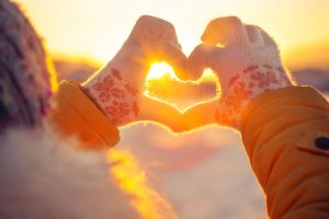 Handen maken een hartje