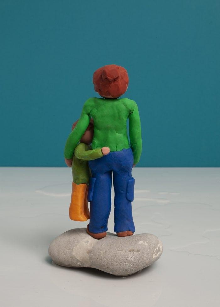 kleipoppetje van ouder en kind