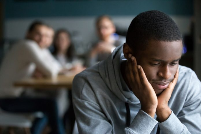 discriminatie van zwarte jongen